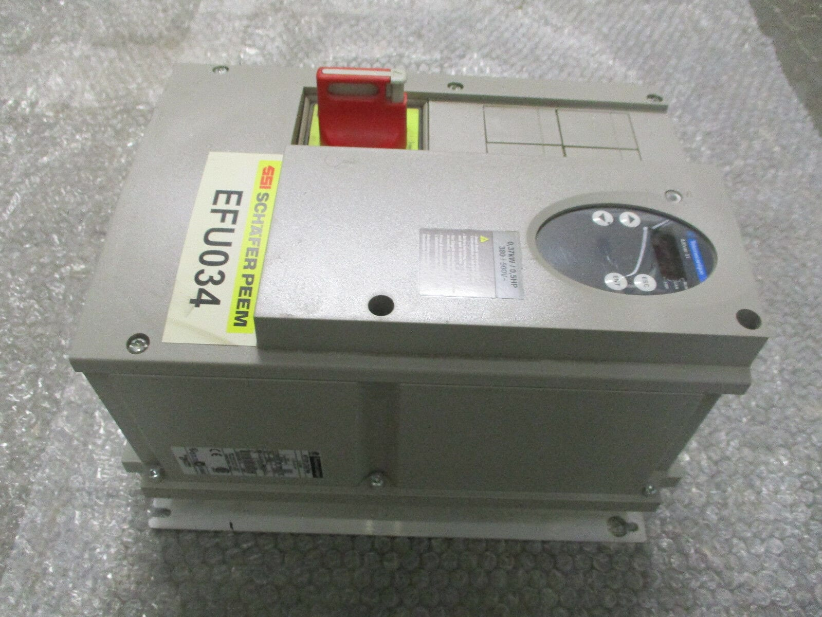 Telemecanique ATV31C037N4 Altivar 31 AC Drive 380/500VAC 0 5HP/0 37kW  *Tested