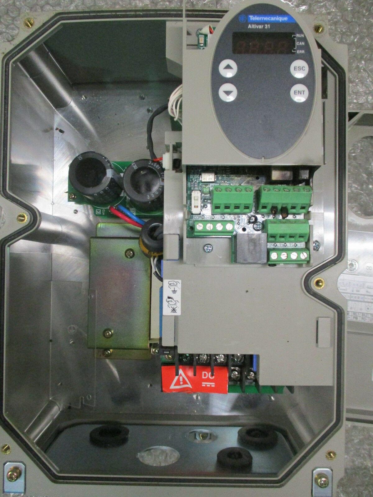 Telemecanique ATV31C075N4 Altivar 31 AC Drive 380/500VAC 1HP/ 75kW *Tested